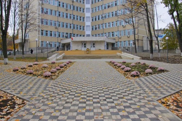 В Кишиневе завершили ремонт сквера на улице Докучаева