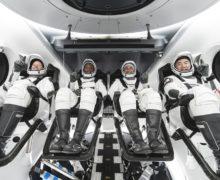 SpaceX успешно отправила четырех астронавтов наМКС (ВИДЕО)