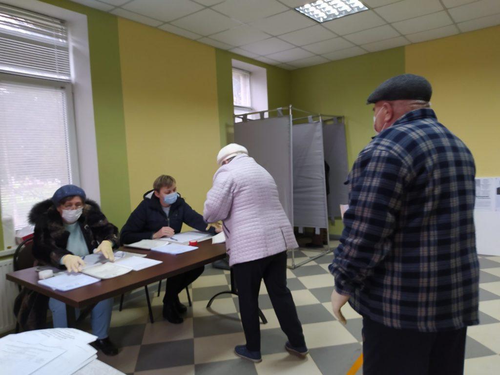 Locuitorii Transnistriei aleg membrii Sovietului Suprem de la Tiraspol (FOTO)
