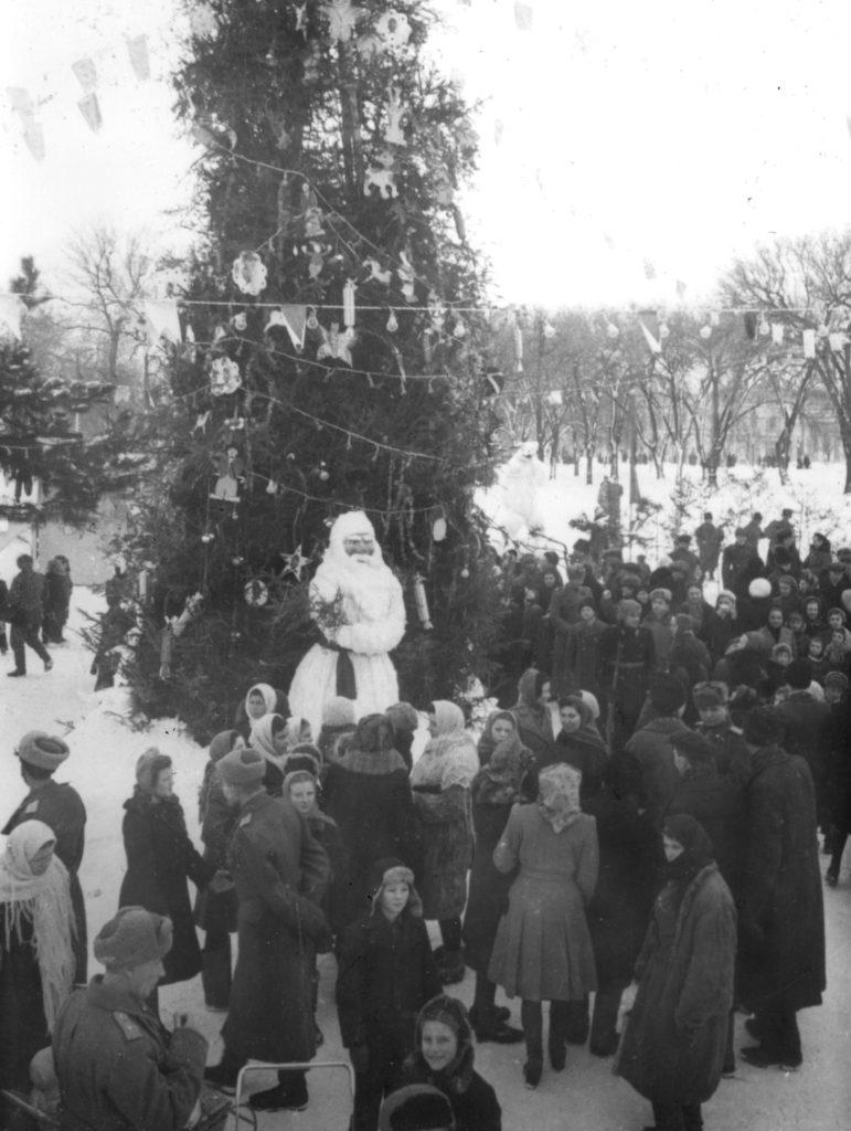 Как в Молдове отмечали новогодние праздники в XX веке. 10 архивных фото