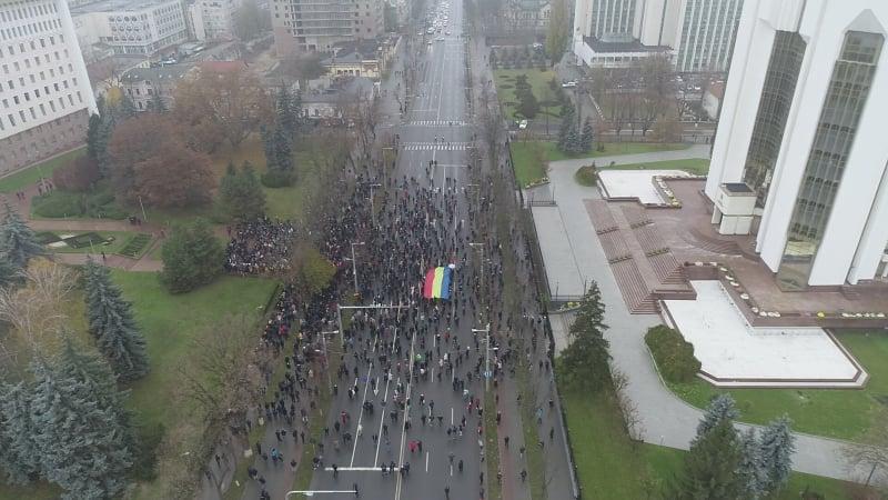 Protest în fața legislativului, față de inițiativa PSRM de a retrage SIS din subordinea președintelui (VIDEO NM)