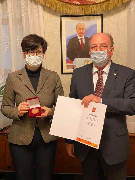 Журналист изМолдовы Левицкая-Пахомова получила грамоту сподписью Путина