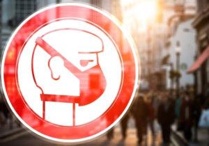 Во Франции правительство запретило носить самодельные маски в общественных местах