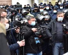 «Нее*и мне мозг». Как вМолдове запугивают иоскорбляют журналистов