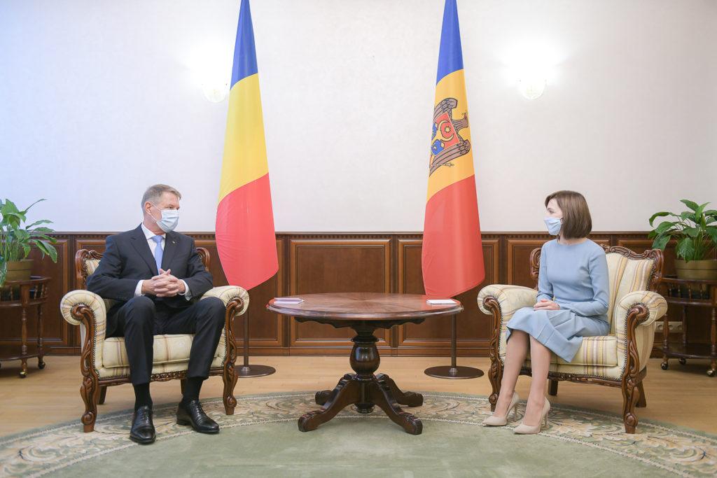 """Klaus Iohannis: """"România va oferi până la 200 de mii de doze de vaccin pentru Republica Moldova""""   (FOTO)"""