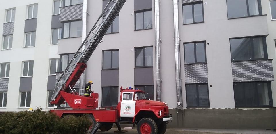 НаТелецентре произошел пожар. Наместо происшествия прибыли восемь пожарных расчетов (ФОТО)