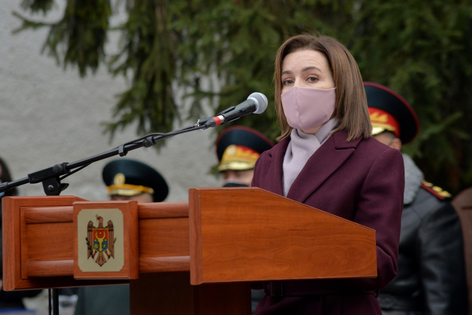 Санду приняла участие впроводах молдавских миротворцев вКосово (ФОТО)