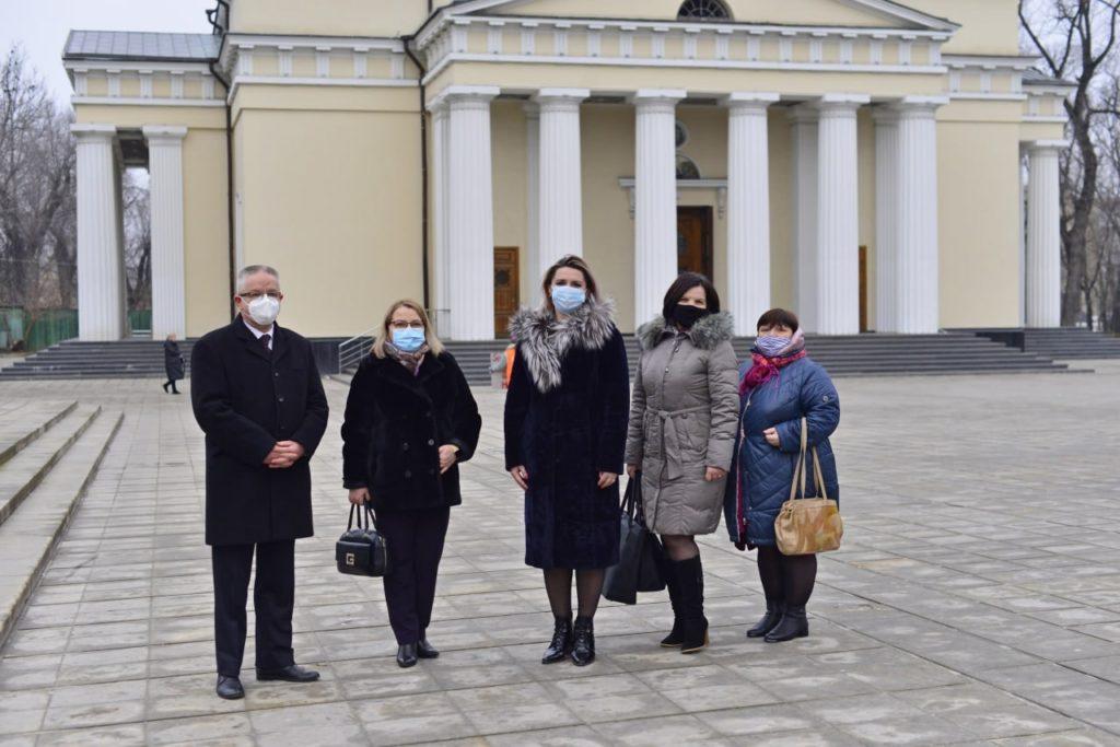 """""""Unde-s mulți, Covid crește"""". În capitală a fost lansată o nouă campanie de informare (FOTO)"""