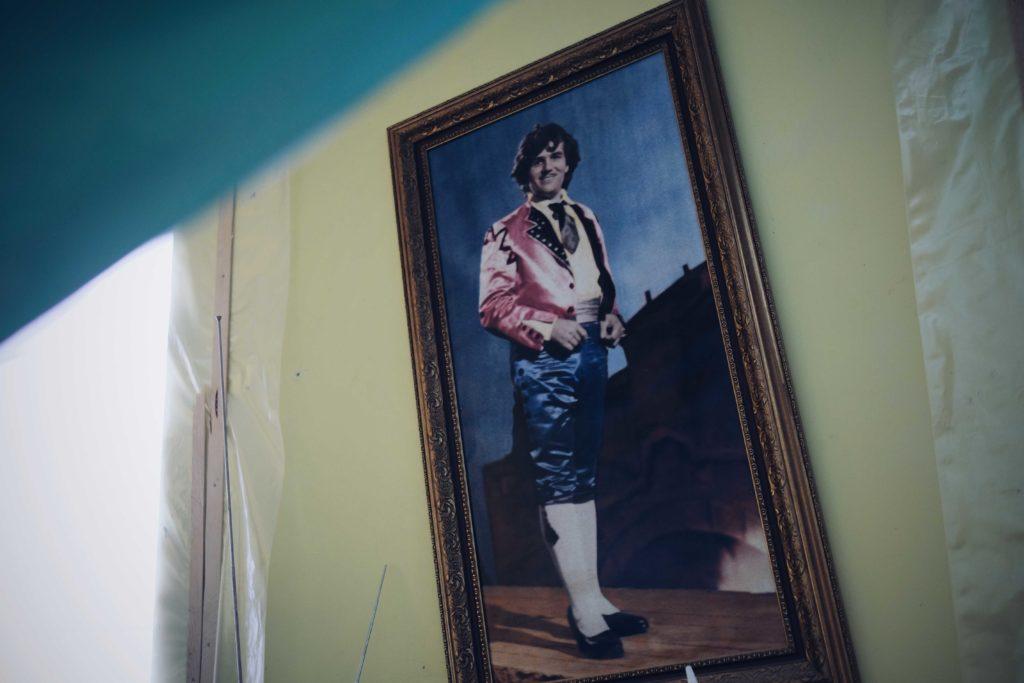 История 89-летнего артиста из Кишинева, который остался без дома. От советских депортаций до взрыва газа