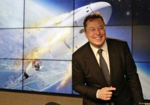 Elon Musk promite $100 mln pentru cea mai bună tehnologie de captare a carbonului