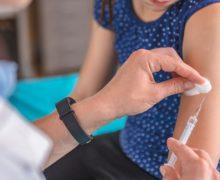 Vaccinul împotriva coronavirusului în Moldova. Pentru cine este interzis și ce se știe despre contraindicații și reacții adverse