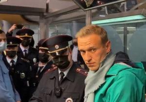 Navalnîi va sta următoarele 30 de zile în arest. Reacția opozantului lui Putin