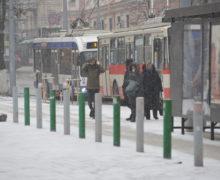 Коронавирус и перевозки. В Молдове число пассажиров сократилось за год почти в два раза