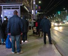 «Появятся и там урны». Мэр Кишинева Чебан ответил на критику новых остановок общественного транспорта