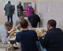 ВКишиневе из-за морозов вдва раза увеличилось число постояльцев приюта для бездомных