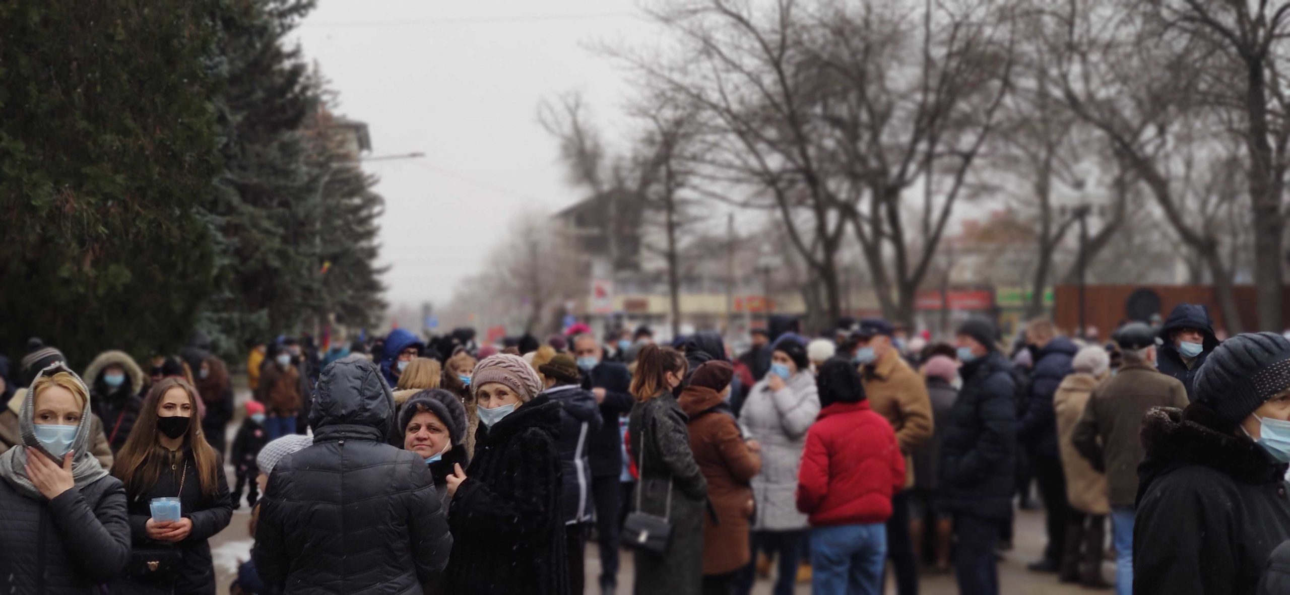 """""""Aduceți înapoi limba rusă"""". Protest în sprijinul limbii ruse la Bălți (LIVE NM)"""