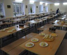 Primăria Chișinău: Părinții vor putea verifica ce mănâncă copiii la școală sau la grădiniță