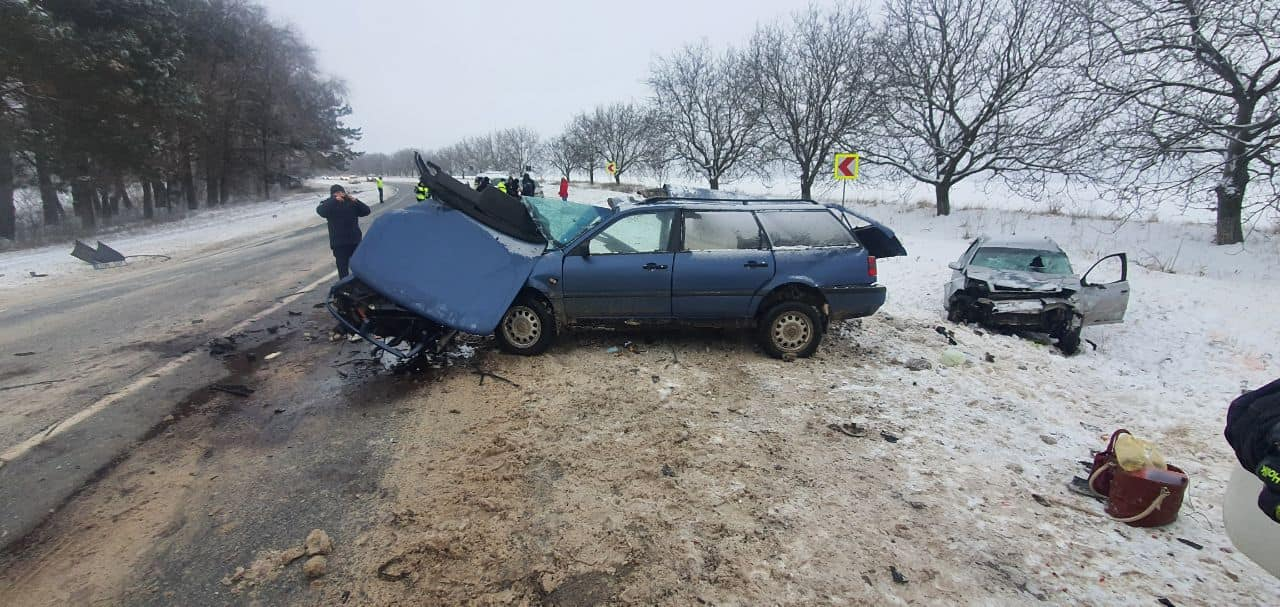 ВРышканском районе столкнулись два автомобиля. Есть погибшие