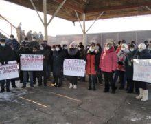«Нам нечего есть». Сотрудники «Железной дороги Молдовы» вОкнице объявили забастовку. Стрим NM