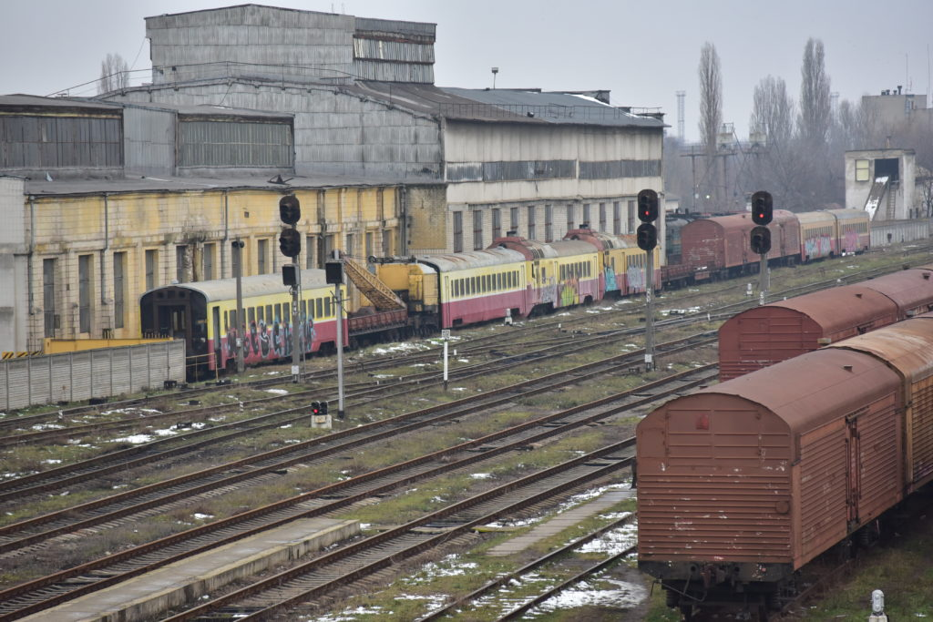 Calea Ferată din Moldova a deraiat de pe șine. Ar mai putea fi salvată?