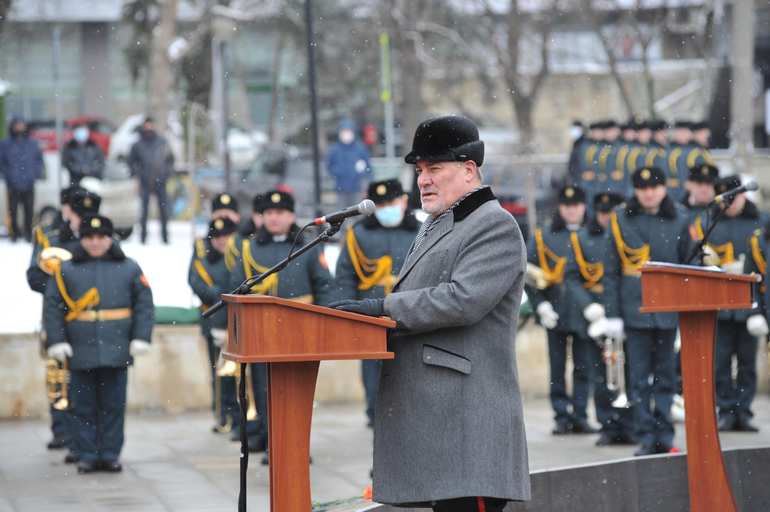 """""""Lecția oricărui război este să prețuim pacea"""". Cum a marcat Chișinăul 32 de ani de la încheierea războiului din Afganistan. Reportaj FOTO NM"""