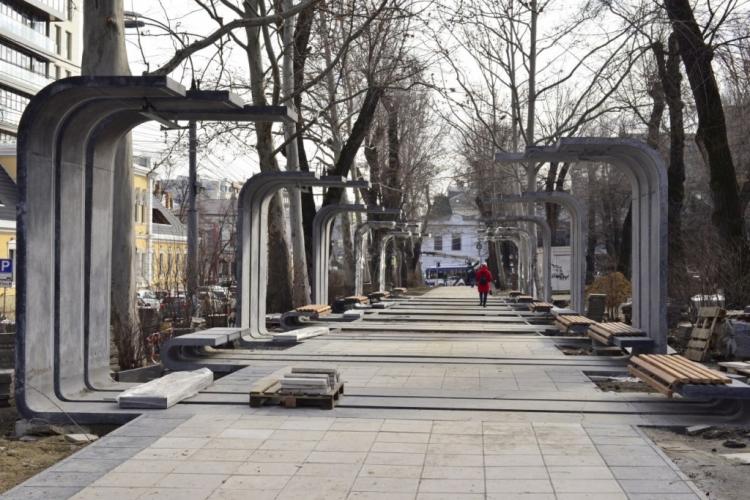 În centrul Chișinăului a fost amenajat un spațiu special destinat comercianților de obiecte meșteșugărești