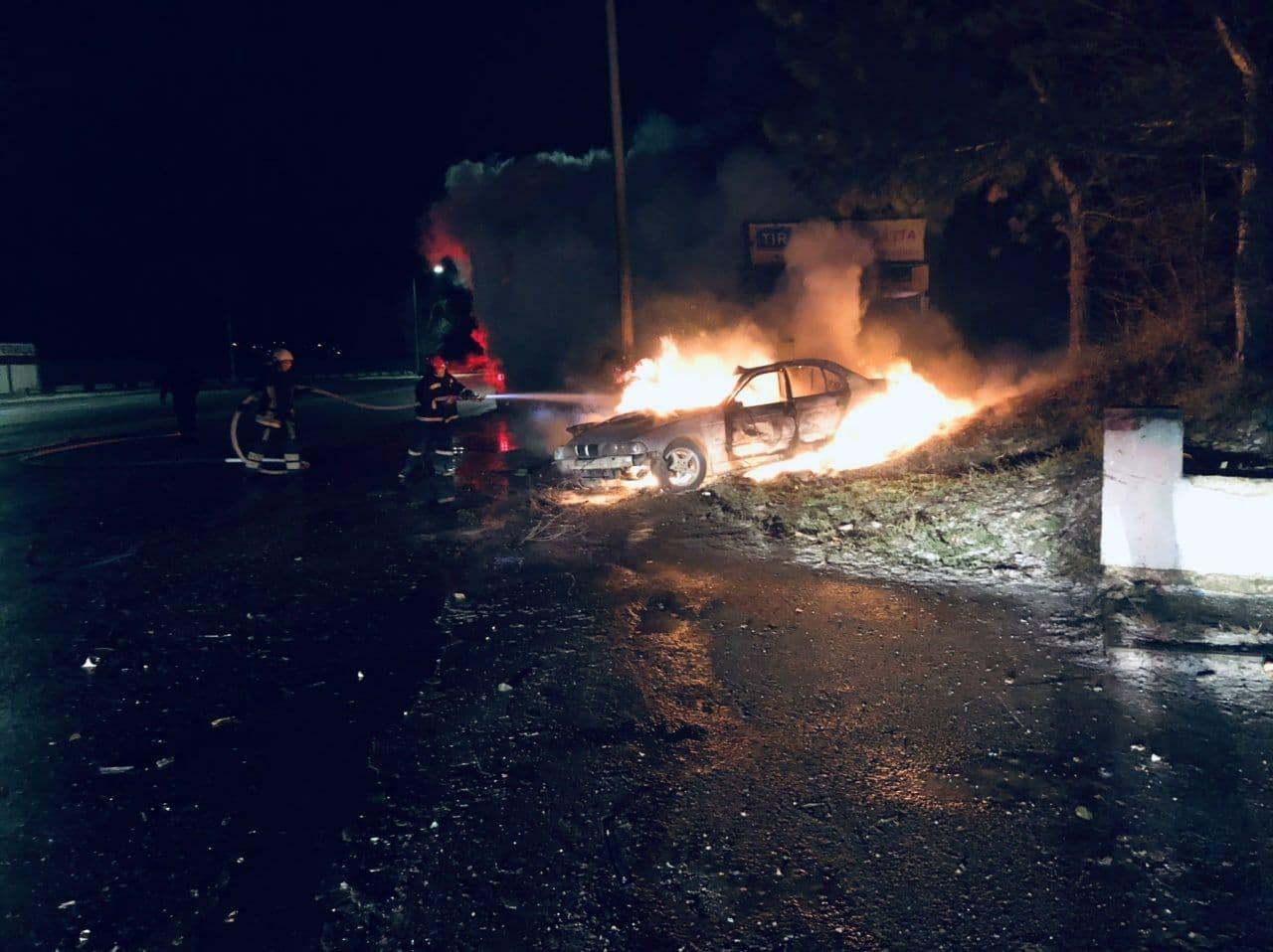 ВКишиневе врезультате ДТП сгорел автомобиль. Погиб один человек (ФОТО) (ОБНОВЛЕНО)