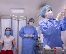 Додон сообщил о возможности вакцинации населения против COVID в частных клиниках