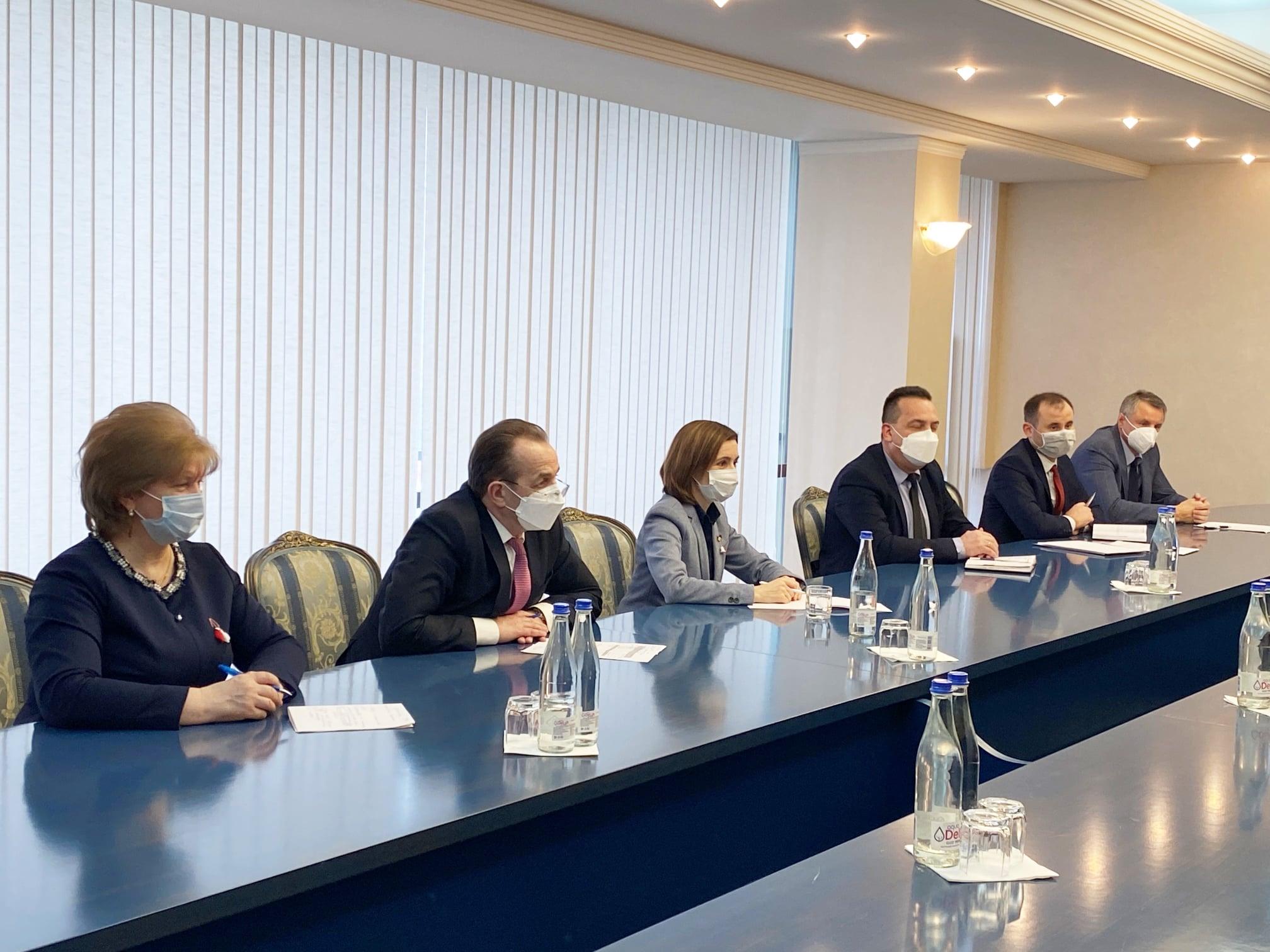 Президент Майя Санду встретилась сэкс-главой минздрава Румынии. Что они обсудили