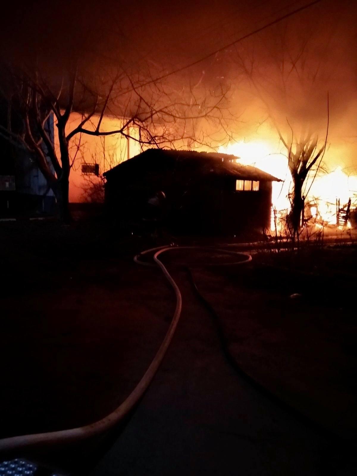 Incendiu de proporții la Bălți. Cum pompierii au reușit să evite o explozie? (VIDEO)