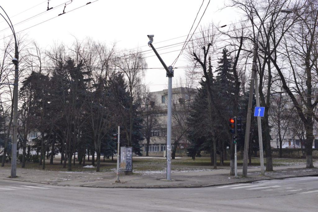 Primăria începe reabilitarea a două scuaruri din centrul capitalei (FOTO)