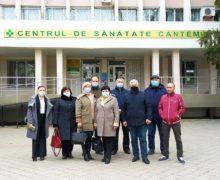 Минздрав расследует вакцинацию сотрудников мэрии Кантемира