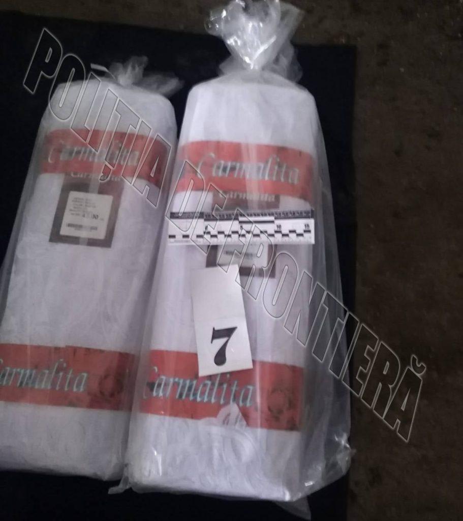 Mărfuri aduse ilegal. Ce au găsit polițiștii de frontieră în mașinile unor bărbați din Căușeni și Anenii Noi? (FOTO)