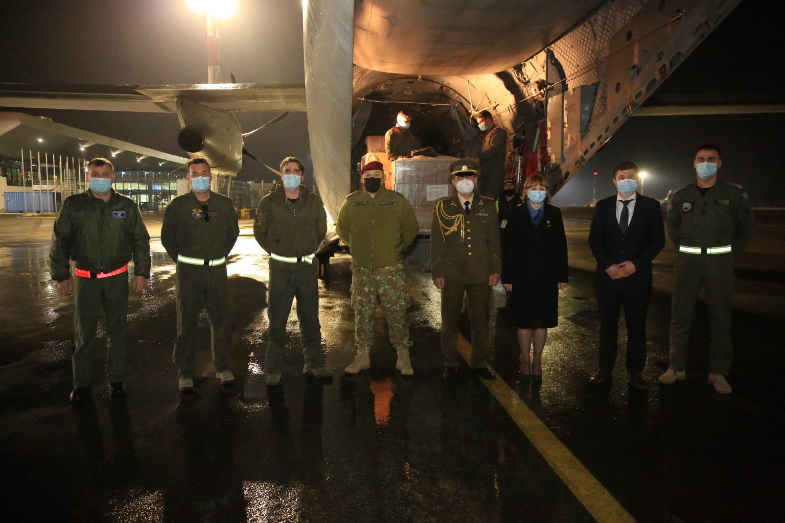 НАТО передало молдавским врачам партию масок на$190 тысяч (ФОТО)