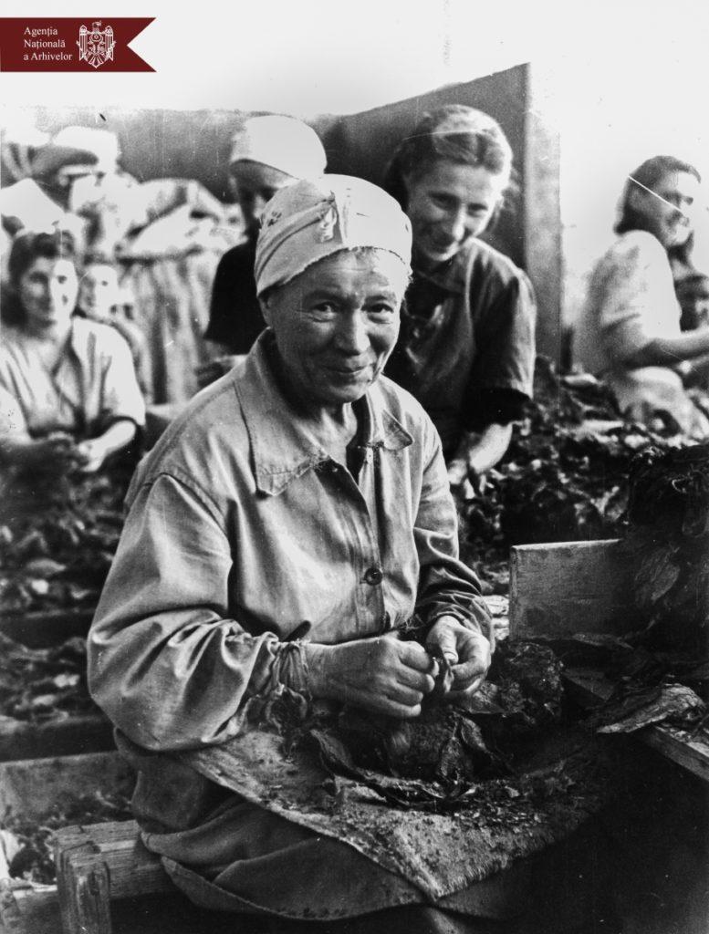 Sofia Rotaru, Maria Bieșu, eleve, artiste și muncitoare. Agenția Națională a Arhivelor a publicat o serie de fotografii emblematice cu femeile din Moldova