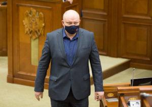 «Фуртунэ сам признал, что действовал незаконно». Депутат отПСРМ пожаловался напрокурора, занимающегося делом Стояногло