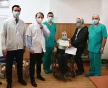 Cum se desfășoară imunizarea în România și prin ce metode sunt convinși oamenii să se vaccineze. Interviu NM