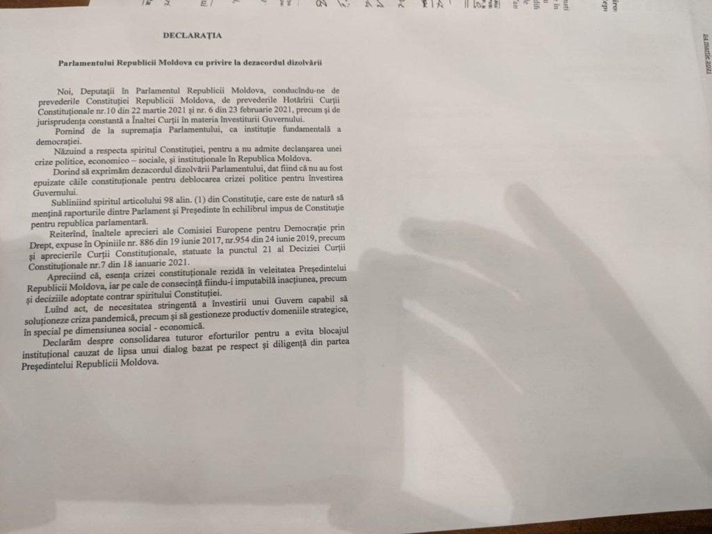 """PSRM și """"ȘOR"""" au votat declarația împotriva dizolvării parlamentului. Opoziția a propus redenumirea documentului (DOC)"""