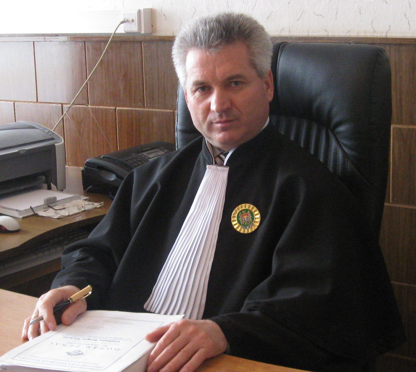 Видео спакетом ирасследование RISE. Двух «судей Шора» проверит ВСМ