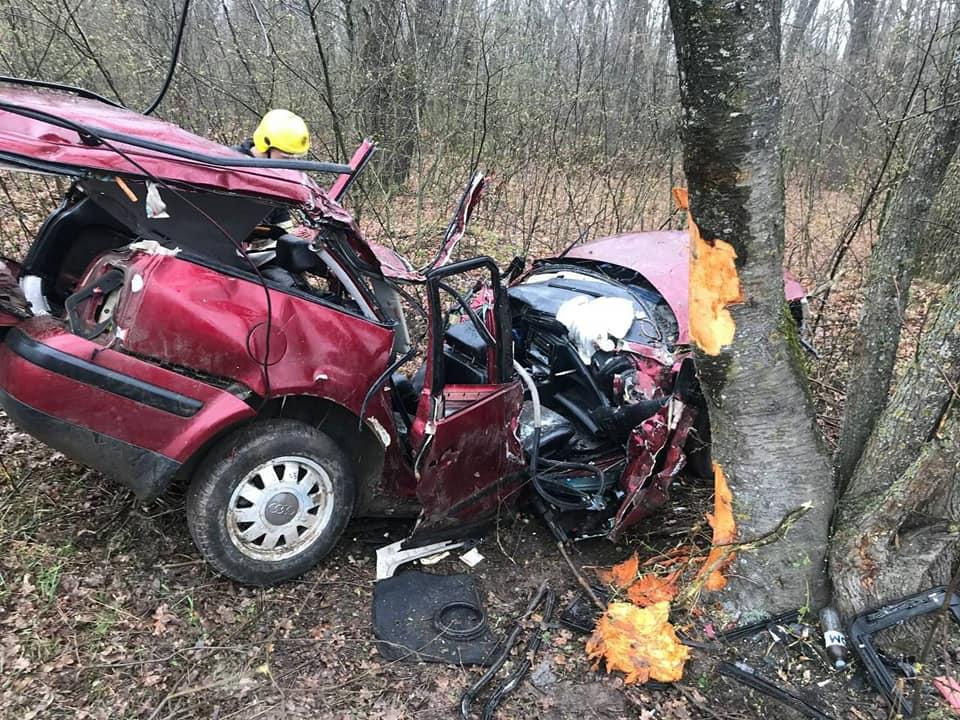 Accident grav la Ocnița. Două persoane au decedat, iar una este internată în stare gravă (FOTO)