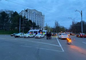 Filtre rutiere pe întreg teritoriul țării. 389 de șoferi au fost sancționați (FOTO)