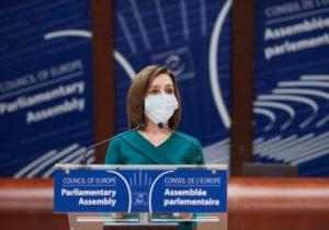NM Espresso: о выступлении Санду в Страсбурге, свободном въезде в Приднестровье и о «пандемийном» образовании