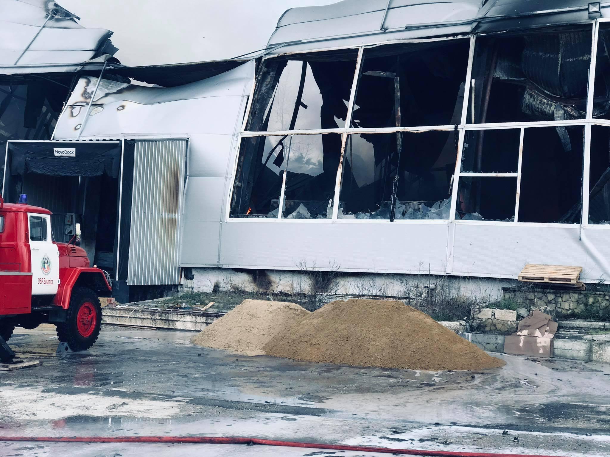 ВКишиневе изгорящего склада наБотанике вытекло более 40литров ацетона