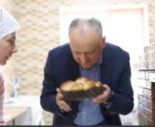 Куличи Додона. Как видео о пасхальной выпечке лидера социалистов стало «главной новостью дня»