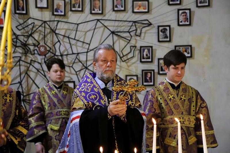 Митрополит Молдовы освятил кагор Cricova (ФОТО)