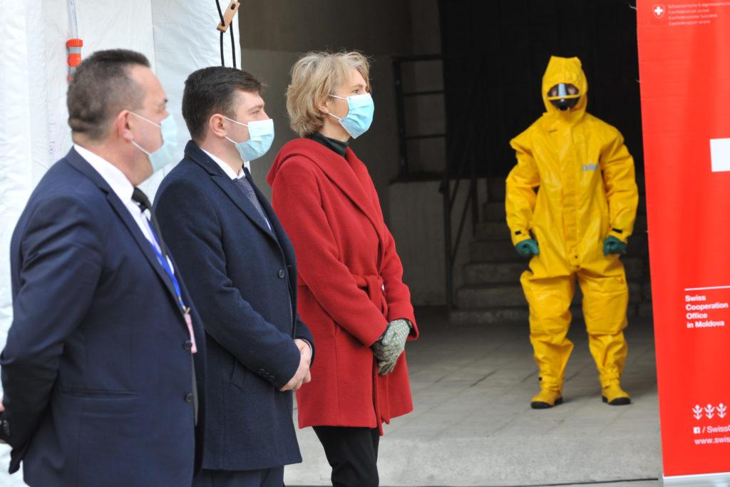Elveția și OMS au donat Moldovei tablete și două instalații mobile de decontaminare (FOTO)