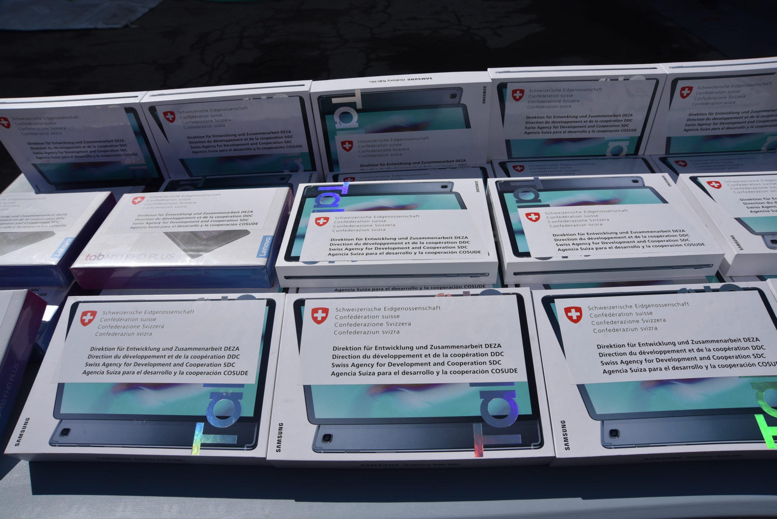 Швейцария иВОЗ передали Молдове планшеты идва мобильных обеззараживающих душа (ФОТО)
