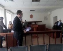 Judecătorii care urmau să examineze dosarul deputatului Denis Ulanov s-au autorecuzat. Care este motivul?