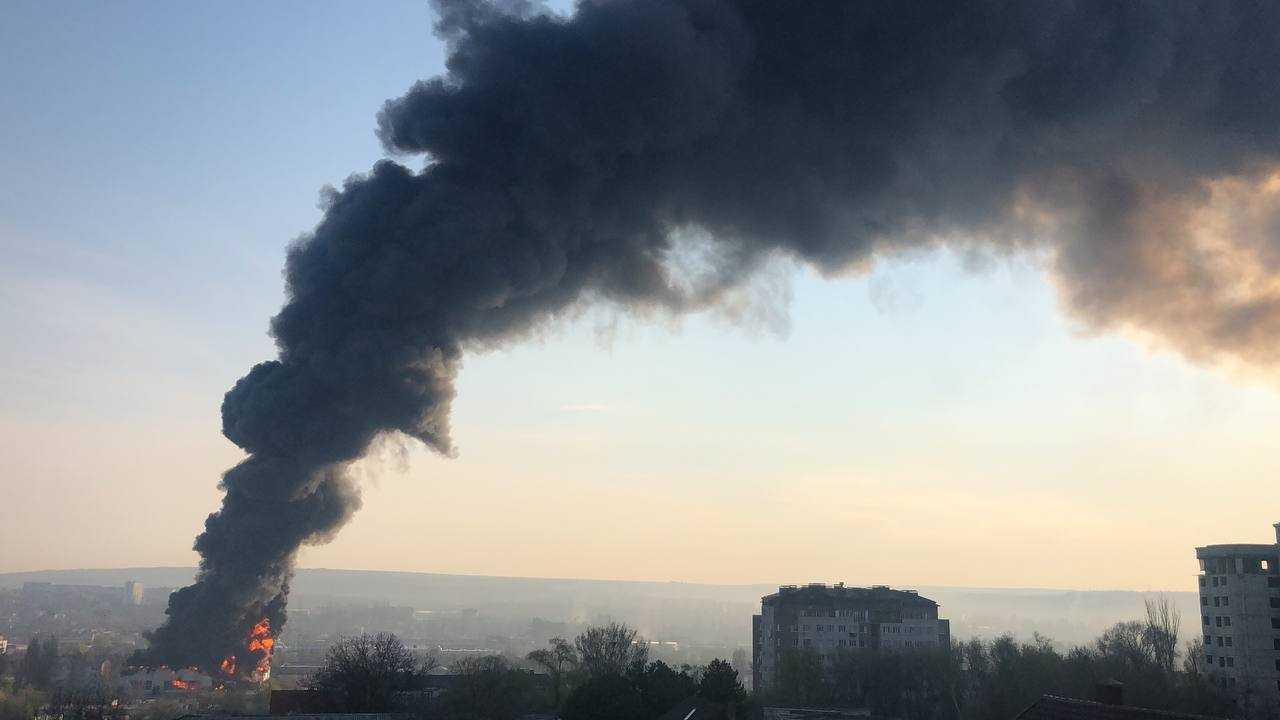 В Кишиневе на Ботанике произошел пожар (ФОТО, ВИДЕО) (ОБНОВЛЕНО)