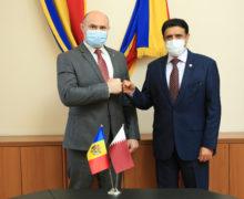 Катар подарит Молдове пожарный автомобиль имашину скорой помощи